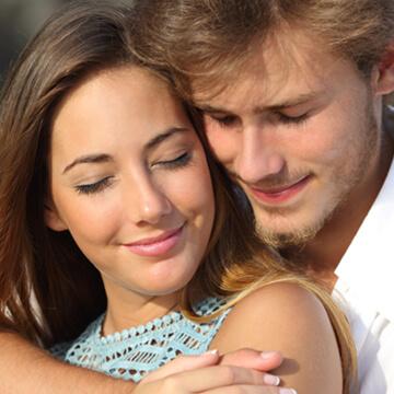 男性が本気で恋をした時に起こる変化。女性を好きになった時の心理とは?