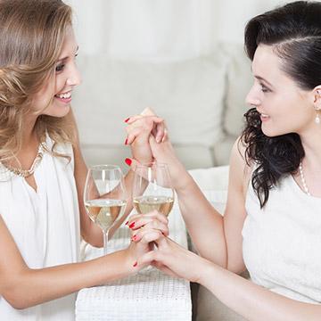 一生付き合える友だちと疎遠になる友だちの違いはどこ?