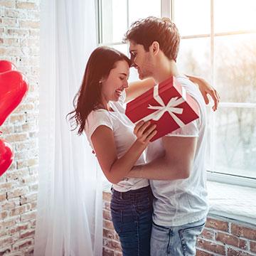 長年付き合ってるカップル必見!新鮮さを失わないバレンタインチョコの渡し方