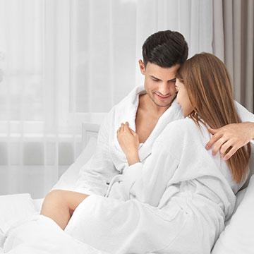 セックスの前、シャワーを浴びた後のオススメの格好は〇〇〇!