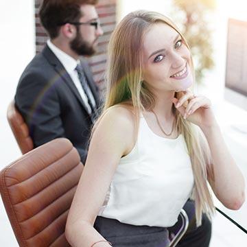 オフィスラブの醍醐味って?社内恋愛の経験がある人に聞きました!