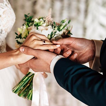 自分たちで考えるのが流行ってる!?結婚式の誓いの言葉
