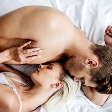 乳首を愛撫して欲しいなら♡彼からもっと愛されるためのおねだりの仕方