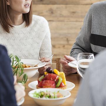 家族とエッチな話をする女性はどのくらいいる!?親や兄弟と話す内容とは