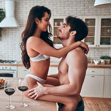 セックスの前に水分補給してますか?エッチと水分の意外な関係