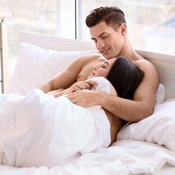 """これだけは譲れない!彼との初セックスで女性が""""求めるもの""""BEST5"""