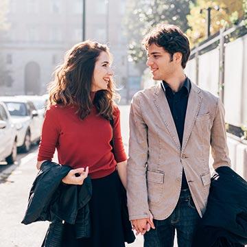 付き合う前の男友達から不意打ちにキスされた!男性心理と対処法を解説