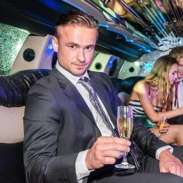 イケメンお金持ち男性と出会いたいなら!玉の輿に乗るために心がけることとは?