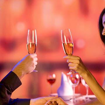 出会った瞬間恋に落ちる!?男性が一目惚れをする女性の特徴とは?