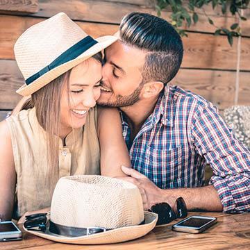 彼氏の愛情がどんどん増していく!恋愛上手な女子のテクニック5パターン