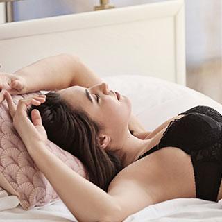 人気のナイトブラランキングTOP10!育乳効果が期待できるのは?