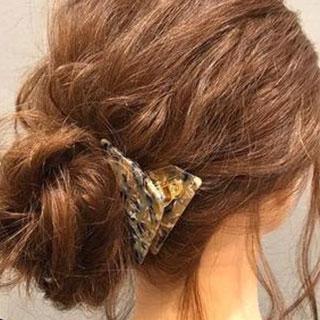 簡単ひと手間でおしゃ見えヘア♡こなれ感のあるカジュアルヘアアレンジ4選