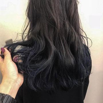 2020年トレンドのブルーを髪にも♡上品で凛としたきれいめブルーヘアカラー7選