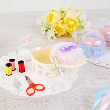 見た目はまるでコスメ♡春の新生活にぴったりのソーイングセット&ドライバーセットがサンリオから発売!
