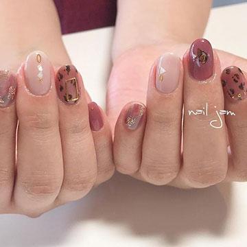 ピンクカラーで春らしく♡大人っぽ可愛いレオパード柄ネイル8選