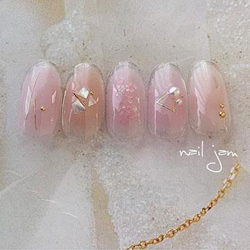 シェル×くすみカラーは相性抜群♡春らしさを取り入れたニュアンスデザイン特集