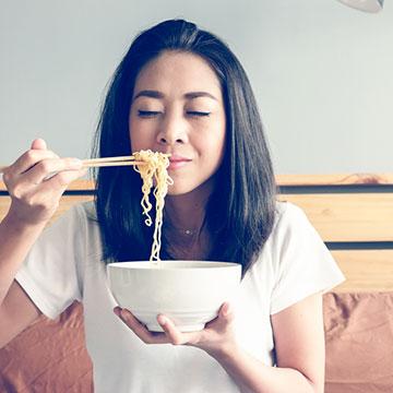 残暑~初秋のダイエットは「糖質0g麺」で!コンビニで気軽に買えて美味しいんです!