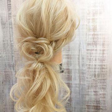 バレンタインはハートをこっそり忍ばせて♡さりげなさがかわいいハートヘア特集