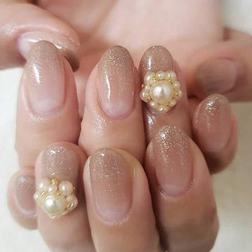 指先から美人度を引き上げる♡肌馴染みのいいベージュネイル特集