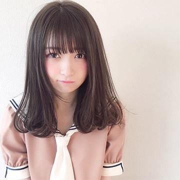 大人可愛い前髪で人気♡透け感がたまらないシースルーバングの作り方