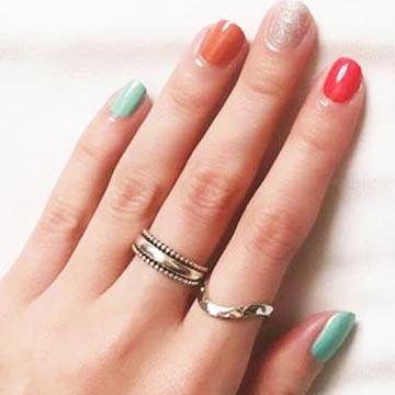 一度塗ったネイルどれぐらいで変える?爪を傷めない楽しみ方は?