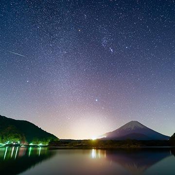 涼しい夜に空を眺めてみて♡10月に見れるオリオン座流星群