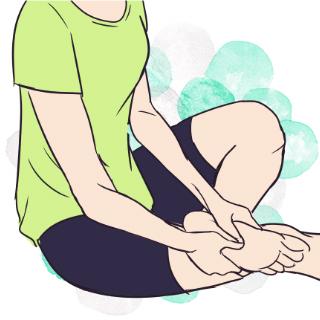 脚のむくみを改善する!足裏・ふくらはぎ・太もものマッサージ