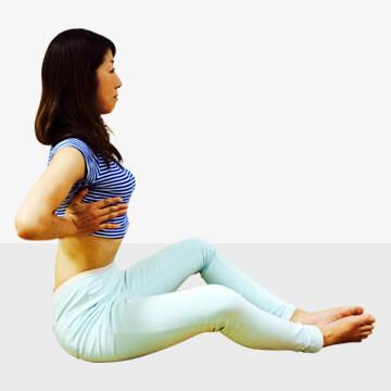 デスクワークによる体型崩れや体調不良を防ぐ引き上げエクササイズ