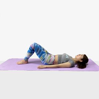 腹筋全体を鍛えることができる体幹トレーニング四の字クランチ④