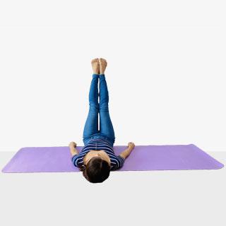 太ももの内側に刺激を与えて締めて寄せる美脚エクササイズ