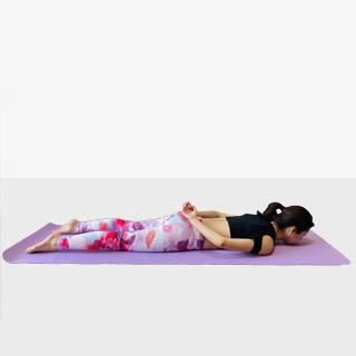 《腹筋と背筋をバランスよく鍛える運動》で美ボディを手に入れましょう♪