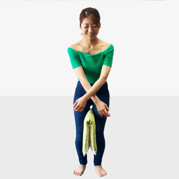 1か月で2cm!背中を使って姿勢矯正してバストアップ!