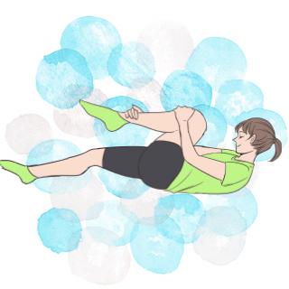 寝る前ちょこっと運動!お腹引き締め「シングルレッグストレッチ」