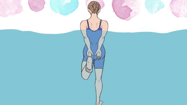 プールや海など水の中で泳ぎながらできる太ももエクササイズ
