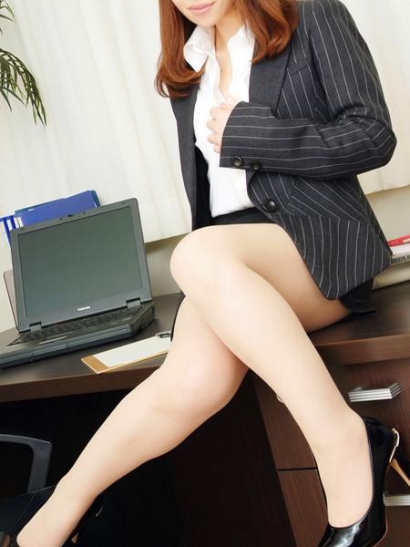 遠藤 あみ秘書(雄琴丸の内商事)