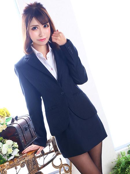 雄琴丸の内商事 美咲 リイナ秘書