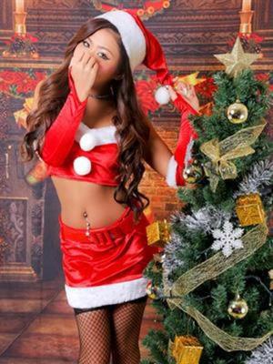 サンタの似合う人気女性と胸囲の新人さん!