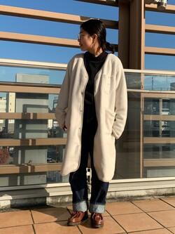 ららぽーと横浜のYukakoさんのLeeの【ユニセックス】【やわらかフリース】ノーカラーコートを使ったコーディネート