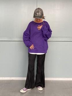 Lee アミュプラザ博多店のMarikoさんのLeeの【柔らかく揺れる】プリーツ フレアーパンツを使ったコーディネート