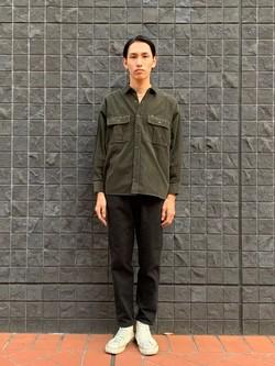 大阪店のShotaさんのLeeの【ユニセックス】ビッグフィット ワークシャツ(コーデュロイ)を使ったコーディネート