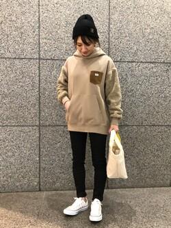 札幌パセオ店のChisatoさんのLeeの【ユニセックス】ボアフーディーを使ったコーディネート