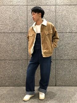 札幌パセオ店のTatsukiさんのLeeの【男女兼用】ルーズシルエット ロングTシャツ/刺繍ロゴ/胸ポケットを使ったコーディネート