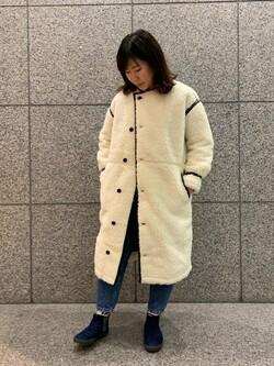 札幌パセオ店のPinanchosuさんのLeeの【寒い冬もあたたかい】ロングボアジャケットを使ったコーディネート