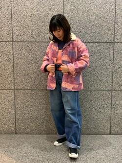 札幌パセオ店のPinanchosuさんのLeeのパッチワーク ボアジャケットを使ったコーディネート