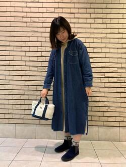 札幌パセオ店のPinanchosuさんのLeeのロング デニムシャツワンピースを使ったコーディネート