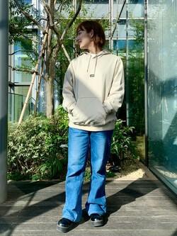 Lee アミュプラザ博多店のMISAKIさんのLeeの【男女兼用】刺繍Leeロゴ パーカーを使ったコーディネート