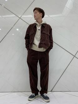 熊本COCOSA店のSHOGOさんのLeeの【トップス15%OFFクーポン対象】【男女兼用】刺繍Leeロゴ パーカーを使ったコーディネート
