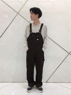 熊本COCOSA店のSHOGOさんのLeeの【トップス15%OFFクーポン対象】【ユニセックス】ミニロゴ刺繍 クルーネックスウェットを使ったコーディネート