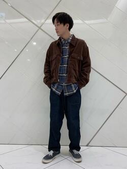 熊本COCOSA店のSHOGOさんのLeeの【オールシーズン使える】ラクして決まる イージーワイドパンツを使ったコーディネート