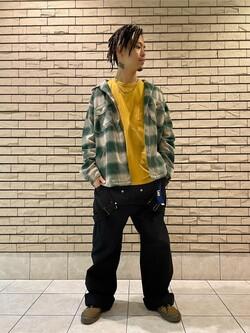 札幌パセオ店のgenさんのLeeの【トップス15%OFFクーポン対象】【男女兼用】ルーズシルエット ロングTシャツ/刺繍ロゴ/胸ポケットを使ったコーディネート